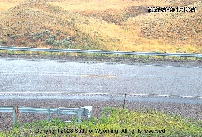 WYO 135 - Cedar Rim - Road Surface